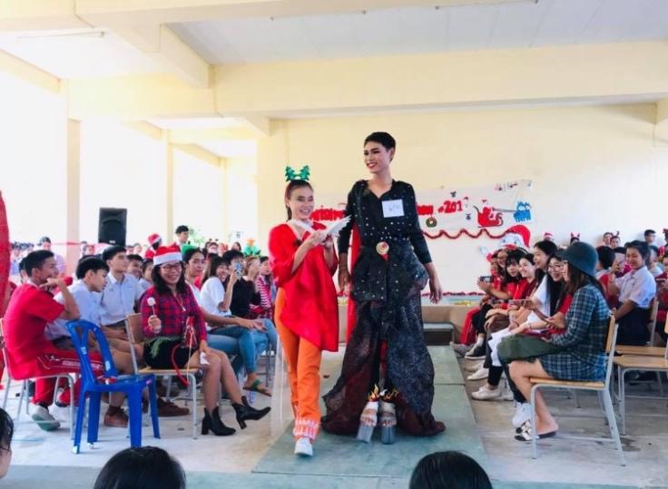 Xmas Fashion Show